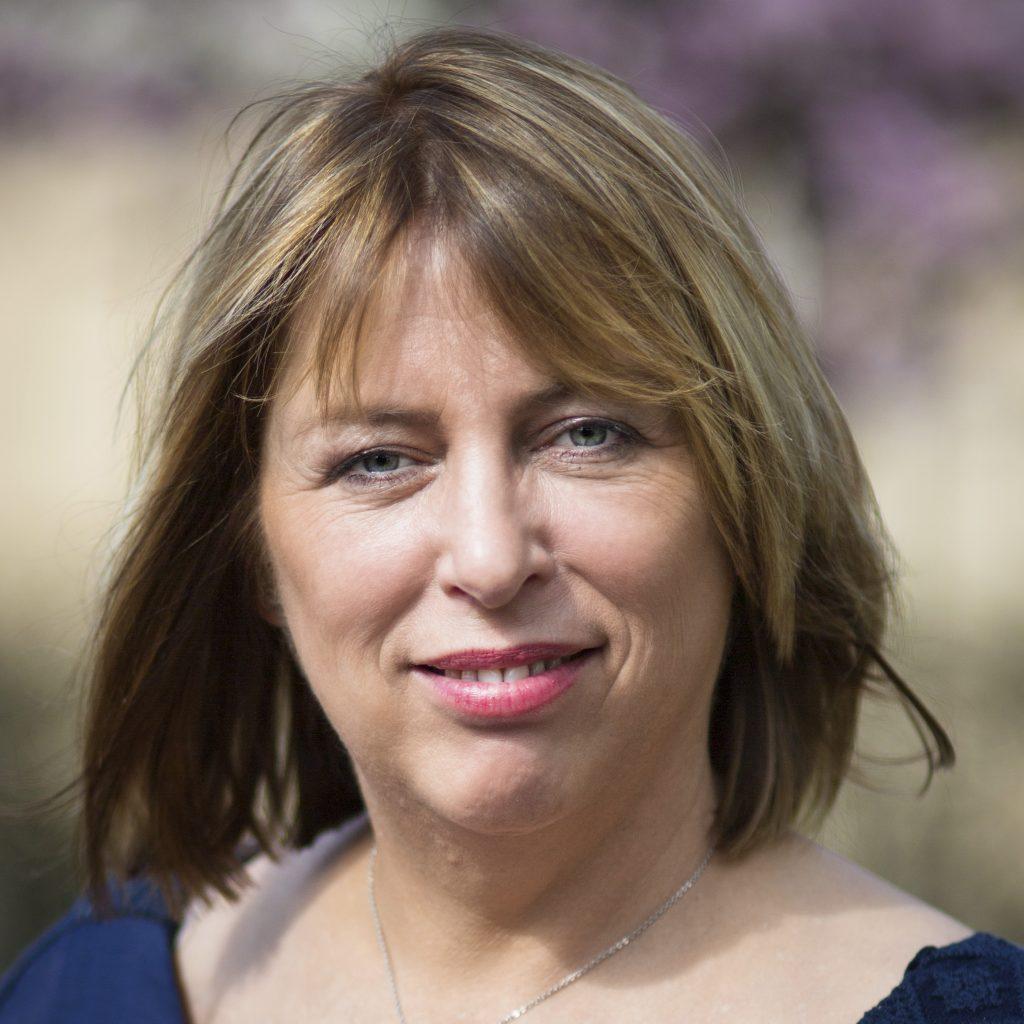 Mireille Mathis Coach